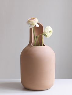"""To know more about Jaime Hayon """"Gardenias"""" Terracota Vase, BD Barcelona Design edition, visit Sumally, a social network that gathers together all the wanted things in the world! Featuring over 179 other Jaime Hayon items too! Glass Ceramic, Ceramic Pottery, Ceramic Art, Pottery Vase, Cerámica Ideas, Keramik Design, Industrial Design Furniture, Interior Wallpaper, Wallpaper Magazine"""
