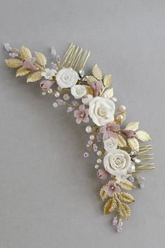 Marta Bridal Headpiece Bridal Comb Floral Headpiece There are different rumors about the history of the marriage dress; Bridal Comb, Bridal Hair Pins, Bridal Updo, Headpiece Wedding, Bridal Headpieces, Floral Hair, Floral Crown, Barrettes, Floral Headpiece