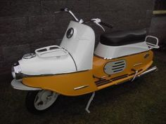 Scooters, Vespa, Bikers, Cubs, Cars Motorcycles, Honda, Classic Cars, Retro, Motor Scooters