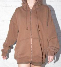 Brandy melville Brown carla hoodie on Mercari Grunge Look, 90s Grunge, Grunge Style, Grunge Outfits, Soft Grunge, Brandy Melville Outfits, Brandy Melville Jacket, Brown Jacket Outfit, Style Pastel