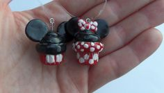Adorable Mickey and Minnie Mouse cupcake charms!