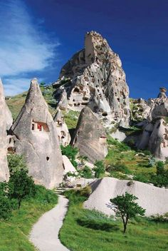 Cappadocia, Turkey is a ancient region in Central Anatolia, known for its unique moon-like landscape, underground cities and cave towns. All of which is best seen from the sky, with dozens of hot air balloons offering amazing bird eye views. Places Around The World, Oh The Places You'll Go, Places To Travel, Travel Destinations, Places To Visit, Around The Worlds, Turkey Destinations, Travel Tips, Travel Hacks