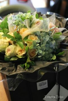 Hand tied by Tempting Tulips 90,000 krw