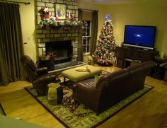 Beige and White Themed Small Family Room Decorating Ideas with Sweet Brown Leath. Beige and White Themed Small Family Room Decorating Ideas with Sweet Brown Leather Sofa on the Gree