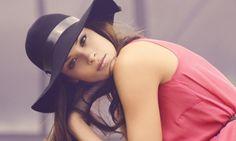 love the Classic summer hat style, and tangerine dress. Tangerine Dress, Fancy Hats, Brunette Girl, Red Hats, Black Hats, Girl With Hat, Summer Hats, Madame, Girl Model
