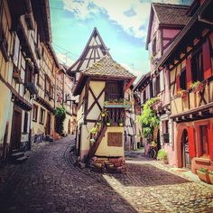 France, oh I love thee! 58 unmissable French villages! <3