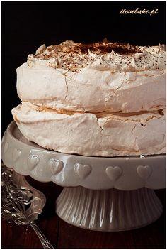 Meringue cake with coffee cream - I Love Bake Meringue Cake, Coffee Cream, Macarons, Vanilla Cake, Eat Cake, Cheesecake, Cooking Recipes, Sweets, Baking