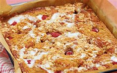 A wonderfully messy traybake of raspberry and bananas, topped with cinnamon crumble. Cinnamon Crumble, Top With Cinnamon, Yummy Treats, Sweet Treats, Crumble Topping, Bananas, Macaroni And Cheese, Raspberry, Pie