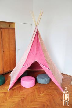 Adorable teepee by Tipi Time. Suitable for kid's room and outdoor fun ;)