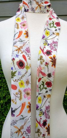 Skinny Scarf, Spring or Summer long scarves, mothers day, botanical scarves for women, neck scarf, neck tie, flower garden scarf, wrap Jeans And T Shirt Outfit, Mail Gifts, Skinny Scarves, Lightweight Scarf, Scarf Design, Sewing Studio, Long Scarf, Neck Scarves, Bow Ties