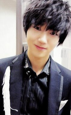 Yesung...He is my Bias along with KyuHyun, and Ryeowook ♡♡♡ But I Love the Whole Super Junior members equally ;)