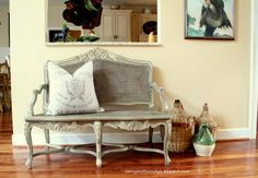 Annie Sloan French Linen paint on bench..I am IN. LOVE.