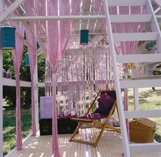 Share Tweet Pin Mail  It's a garden lounging space, a workshop, a sunbathing and moonbathing perch. A creative retreat, a sanctuary…  By day the small al fresco garden habitat is a place to relax, create, or dine, and then, … Read More...