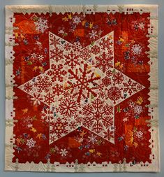 Japanese Snowflakes quilt. Top award at the 2014 Tokyo Quilt Festival: Friendship Award by Kazuyo Kudo. Photo by Luana Rubin