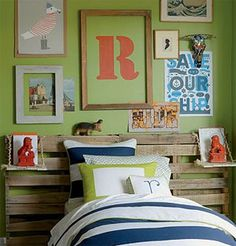This would be an awesome idea for my sons room!! Pallets for a head board who would've thought!