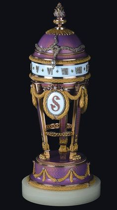 "FABERGÉ YUSUPOV CLOCK EGG ~ Known under the name — ""Watch Yusupov."" Manufactured by imperial jeweler Carl Faberge in Belonged to Zinaida Yusupova. Now stored in the Fund and Edward Maurice Sindoza, Switzerland. Fabrege Eggs, Faberge Jewelry, Antique Clocks, Vintage Clocks, Imperial Russia, Egg Art, Objet D'art, Egg Decorating, Easter Eggs"