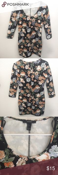 FOREVER 21 fall floral dress Perfect for fall or spring.👍🏼 Forever 21 Dresses Mini
