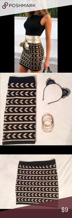 Bodycon Knit Skirt Forever 21 form-fitting and figure flattering black and gold skirt. Perfect for NYE or any party really! Easy to dress up or down with gold accessories! Forever 21 Skirts Mini
