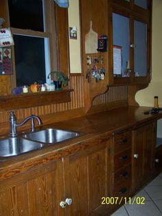 Original fir cabinets in a 1923 bungalow kitchen. Bungalow Kitchen, Bungalow Homes, Old Kitchen, Vintage Kitchen, Kitchen Ideas, Kitchen Layouts, Kitchen Interior, Kitchen Design, Craftsman Cottage