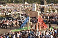 Kard. Dziwisz: Ślemy wam wszystkim gorące pozdrowienia z polskiej ojczyzny świętego Jana Pawła II - SDM PL