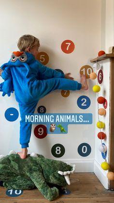 Morning animals 🦉🦖... #wallkadot #spelendleren #bewegendleren #lerenisleuk #huiswerk #kleuterklas #lagereschool #eersteleerjaar #klas #school #educatiefspeelgoed
