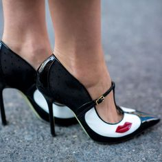 Best Shoes Fashion Month Street Style Lips Pumps