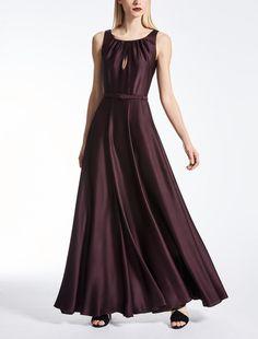 Elegant Outfits and Dresses Silk Satin Dress, Satin Dresses, Formal Dresses, Elegant Dresses For Women, Max Mara, Elegant Outfit, Elegant Woman, New Dress, Pure Products