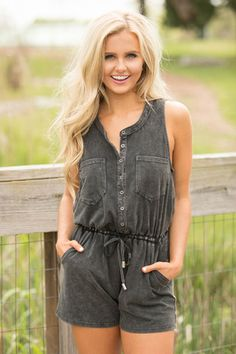 Know All About You Romper Black