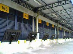 A Marksell acaba de entregar 21 niveladoras de docas MKS-6000 PND EF 2,5 para o grupo francês ID Logistics. Desenvolvidos para utilização em docas de carga e descarga, os equipamentos foram instalados no centro de distribuição da empresa de cosméticos NIVEA, localizado na cidade de Jundiaí, em São Paulo, e serão operados pela multinacional francesa.