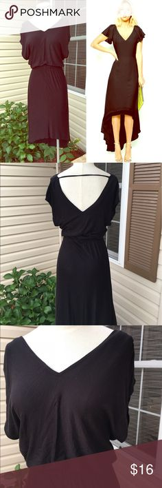 ⭐️Mossimo Supply Co Black High Low Dress Size S⭐️ ⭐️Mossimo Supply Co Black High Low Dress Size S⭐️ High in the front, low in the back. Good condition! Next day shipping. Perfect for any occasion-black goes wth anything. 😊 All sales are final. Mossimo Supply Co Dresses High Low