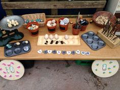 Fabulous outdoor maths station - making learning fun and unique! Use our Outdoor Maths Challenge Cards to enhance learning! Maths Eyfs, Eyfs Classroom, Outdoor Classroom, Outdoor School, In Kindergarten, Math Activities, Preschool Activities, Nursery Activities, Classroom Ideas