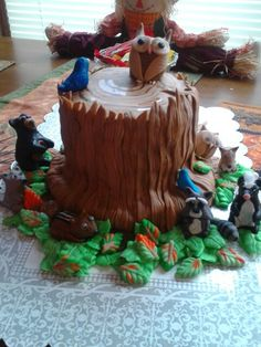 Animals in the wild cake      https://m.facebook.com/profile.php?id=221895731325994