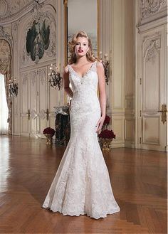 ENCHANTING ALL OVER LACE MERMAID V-NECK NATURAL WAISTLINE WEDDING DRESS IVORY WHITE LACE BRIDAL GOWN