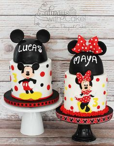 Mickey and Minnie Cakes Mickey And Minnie Cake, Bolo Minnie, Minnie Mouse Birthday Cakes, Mickey Cakes, Mickey Party, Disney Birthday, Mickey Mouse And Friends, Mickey Minnie Mouse, Birthday Bash