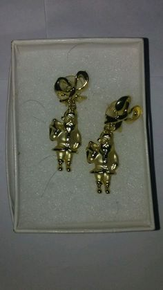 Women's pierced earrings