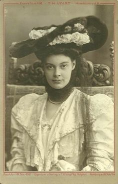 Stunning image of Crownprincess Cecilie of Prussia, neé Duchess of Meckleburg- Schwerin. 1900s,