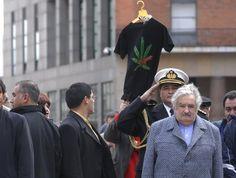 """Raymond Yans, presidente de la Junta Internacional de Fiscalización de Estupefacientes, planea una misión urgente a Uruguay para discutir el proyecto de despenalización de la venta de marihuana con las autoridades. La Oficina de las Naciones Unidas contra la Droga y el Delito, además, aseguró que el proyecto es una """"seria violación"""" de un convenio suscrito en 1961."""