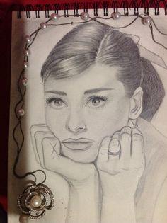 Audrey Hepburn! Mi actriz Favorita, hecha en papel Fabriano con diferentes lapices.