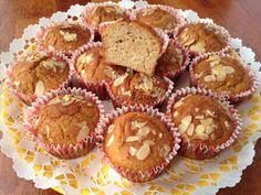 muffin teljes kiőrlésű lisztből, Kocsis Hajnalka receptje, www.mokuslekvar.hu Sweet Desserts, Paleo, Healthy Recipes, Healthy Meals, Food And Drink, Low Carb, Snacks, Breakfast, Diet