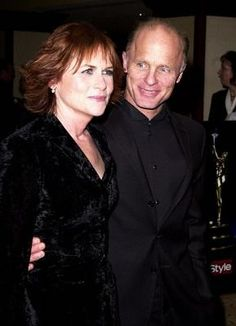Ed Harris and Amy Madigan, married 1983 Hollywood Couples, Celebrity Couples, Hollywood Stars, Celebrity Weddings, Classic Hollywood, Tv Actors, Actors & Actresses, Famous Celebrities, Showgirls