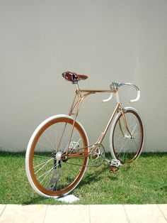 Shaun and Jacinta Sonja run Vanguard Designs, a studio in Singapore who create one-off bicycles assembled from a vast array of genres and styles. The latest machine borne from their workshop is a copper-plated frame that has taken the 'Less… Read more »