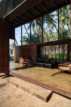 PALMYRA HOUSE • 2007 • Maharashtra, India • Studio Mumbai, www.studiomumbai.com
