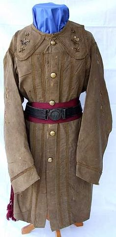 Pleated hunting shirts like this one (described in the first post) were a common private purchase for officers. This one belonged to Confederate General Buckner, but the Osprey Civil War uniforms book has an image of a Yankee wearing an identical coat in blue Confederate Blue and Yankee Grey - History Forum ~ All Empires - Page 2