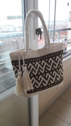 Tapestry Bag, Tapestry Crochet, Crochet Stitches, Knit Crochet, Diy And Crafts, Arts And Crafts, Macrame Bag, Crochet Designs, Bassinet