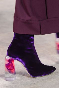 Best Shoes of Fall 2017, Fashion Weeks, Runway, TheImpression.com - Fashion news, runway, street style, models, details, backstage
