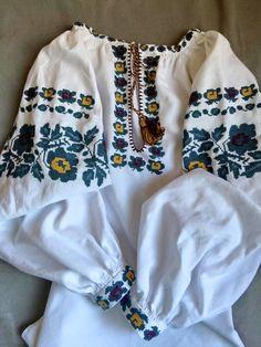 Ukrainian embroidery, modern Borschiv style. Українська борщівська вишиванка. Украинская вышивка.