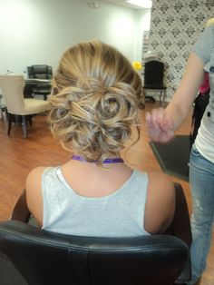 my hair for prom <3
