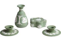 Green Jasperware by Wedgwood, Mad Cap, Old Clocks, Vintage Market, Wedgwood, Vintage Furniture, Wood Art, Decorative Bells, Dinnerware, Red And White
