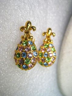 Vintage Joan Rivers Fleur-de-Lis Egg-Shaped Pastel Rhinestone Clip Earrings, Gold Tone
