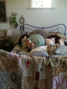 Love the quilt.